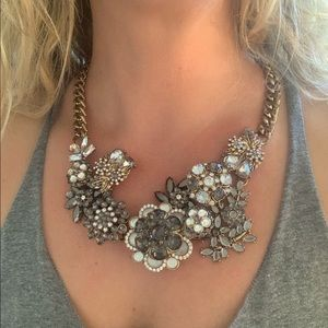 Jewelry - Vintage bib necklace